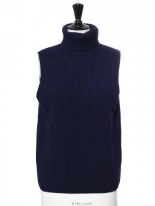 Pull col roulé sans manches en maille côtelée de laine bleu marine Prix boutique 450€