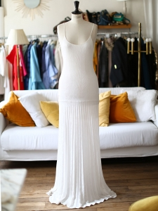 Ivory white pleated very long open back wedding dress with deep décolleté Retail price €1500 Size XS