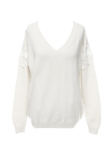 Cream white wool and cashmere V neck sweater with cherry lace sleeves Retail price €690 Size XS to S