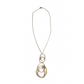 Collier en laiton doré fine chaîne et pendentif long anneaux et perle vert amande