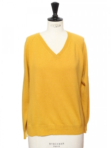 Mustard yellow cashmere v neckline sweater Retail price €520 Size M