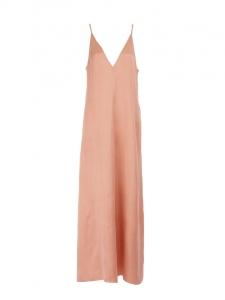 Robe longue décolleté V et fines bretelles en satin rose Prix boutique 485€ Taille 38