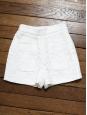 Short taille haute blanc ivoire brodé de dentelle Prix boutique 950€ Taille 34