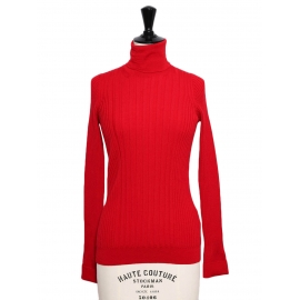 Bright red ribbed wool turtleneck sweater Retail price €690 Size 36 to 38
