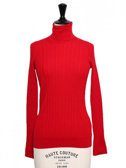 Pull col roulé en laine côtelée rouge vif Prix boutique 690€ Taille 36 à 38