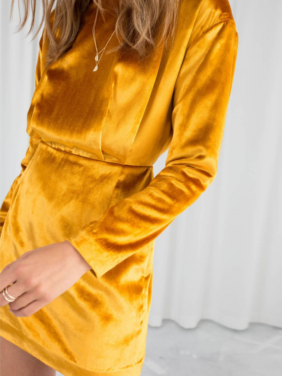 Louise Paris Other Stories Long Sleeves Cinched Gold Yellow Velvet Dress Size 38
