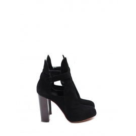 Black suede low boots with wooden heels Retail price €900 Size 39