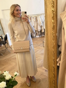 Powder pink cashmere and wool turtleneck sweater Retail price €380 Size 36/38