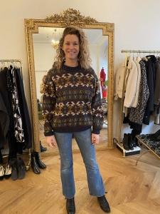 Round neck vintage graphic pattern wool blend sweater Size L