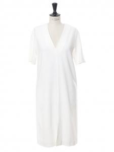 Robe manches courtes col V longueur midi en crêpe blanc Prix boutique 730€ Taille 36