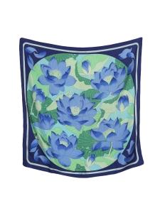Foulard carré en twill de soie bleu et vert FLEUR DE LOTUS Prix boutique 350€ Taille 90 x 90
