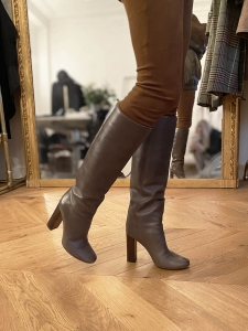 Tan brown leather wooden heel boots Retail price €1000 Size 37.5