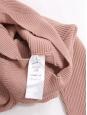 Pull col rond asymétrique en maille côtelé vieux rose Prix boutique 750€ Taille S à M