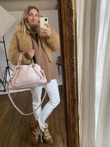 PARATY light pink leather medium shoulder bag Retail price €1450