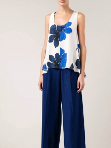 ICONIC white silk crepe tank top printed with navy and cyan blue flowers Retail price €480 Size 36