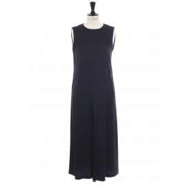Sleeveless long dress in midnight blue crepe Retail Price €345 Size 38