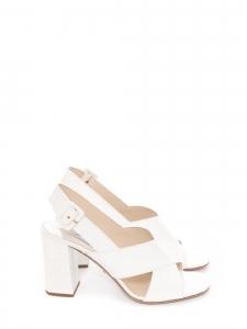 Sandales à talon en cuir verni blanc Prix boutique 650€ Taille 39,5