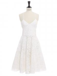 Robe dos nu cintrée et décolleté en dentelle oeillet blanche Prix boutique 1000€ Taille Xs