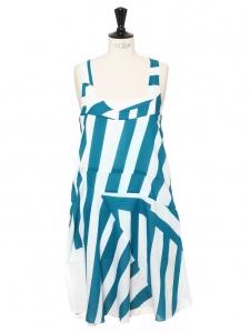 Robe à larges bretelles en coton blanc imprimé rayures bleu azur Prix boutique 1100€ Taille S