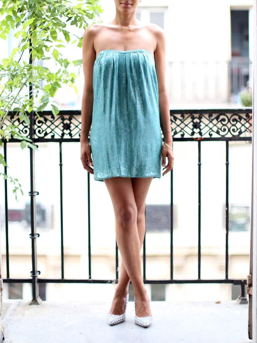 ... JAY AHR Mini robe bustier à sequins bleu turquoise Prix boutique 1400€  Taille XS ... 93f78cf5388