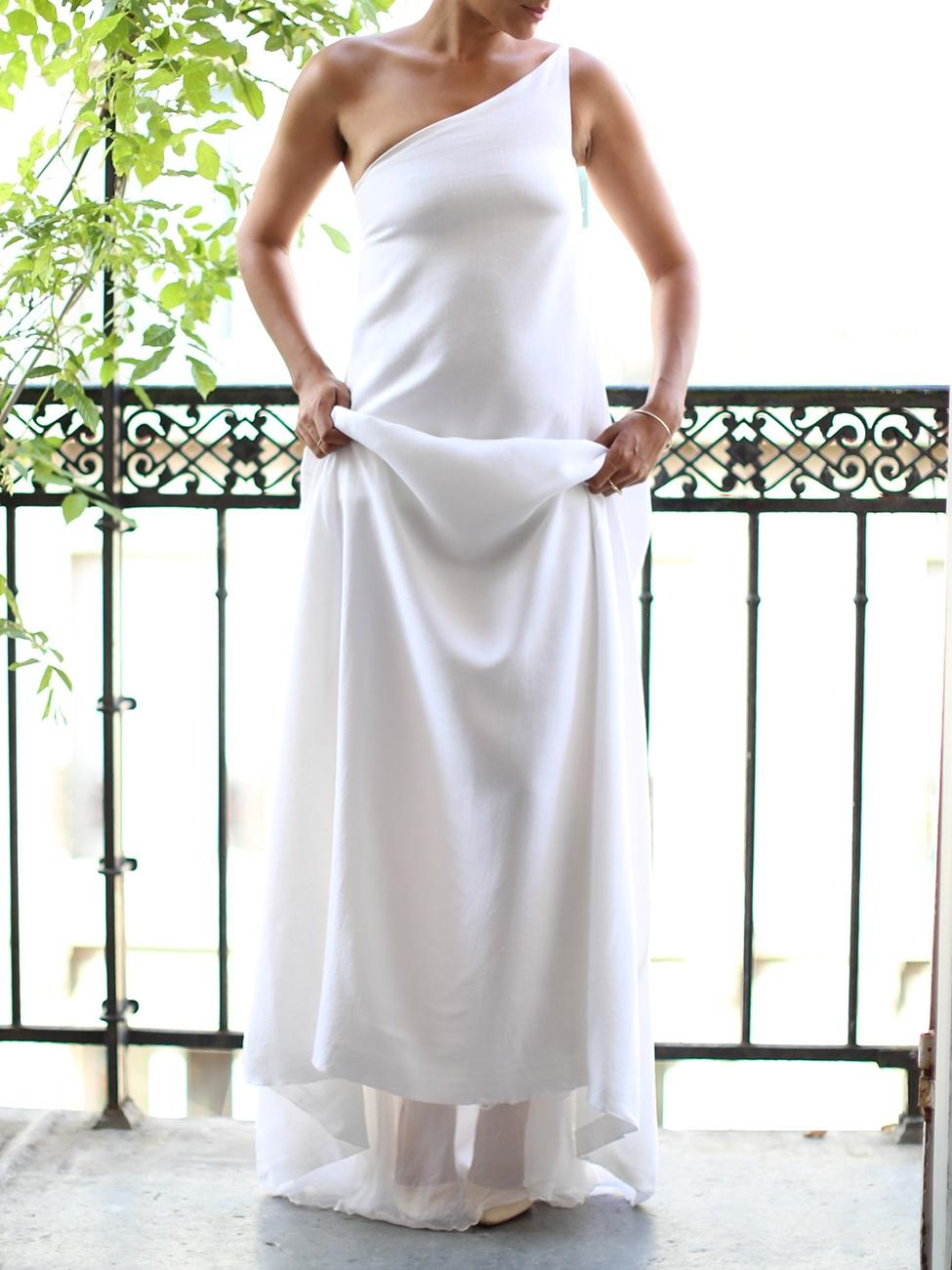 louise paris robe de mari e longue asym trique en lin blanc et mousseline de soie taille 34 36. Black Bedroom Furniture Sets. Home Design Ideas
