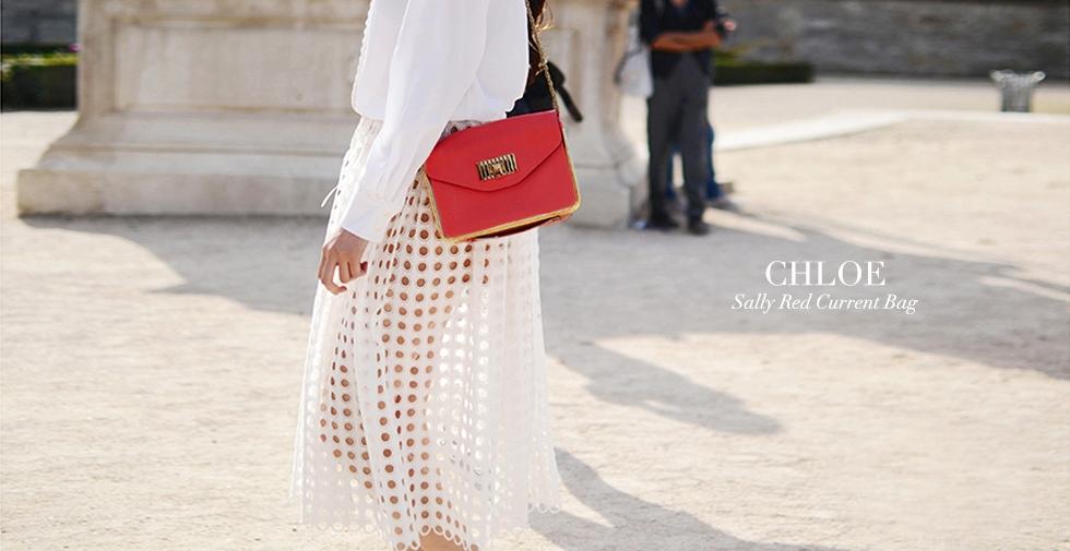 1f2815fb83 CHLOE Petit sac Sally en cuir grainé rouge groseille et chaîne dorée Prix  boutique 1320€